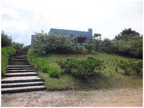 Venta Casa En El Chorro, 5 Dormitorios Hermosa Vista Al Mar - Ref: 16511