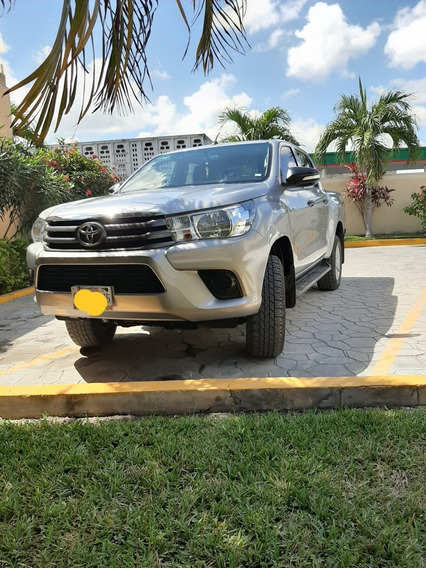 Toyota Hilux 2.7 Cabina Doble Sr Mt 2016