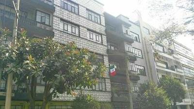 Departamento Amueblado En Planta Baja Con Amplia Terraza Privada.
