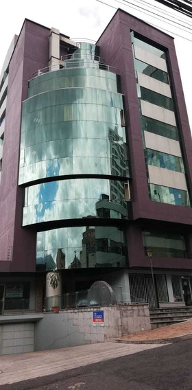Vendo Oficina En Ubicación Estratégica (sector Plaza Artigas