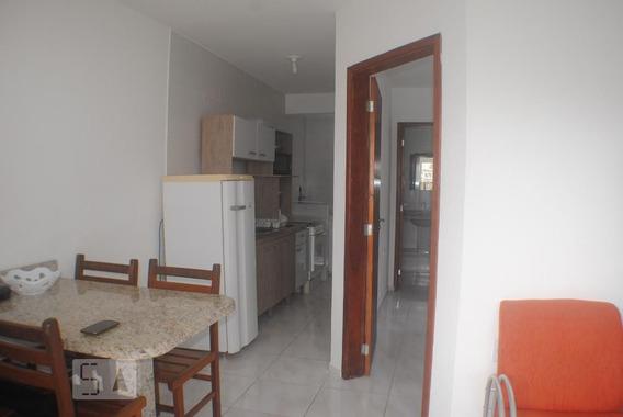 Apartamento Térreo Mobiliado Com 1 Dormitório E 1 Garagem - Id: 892953310 - 253310