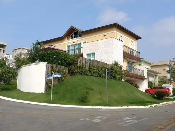 Alphaville - Casa 4 Dormitórios, 550m (esquina) - Valville 1