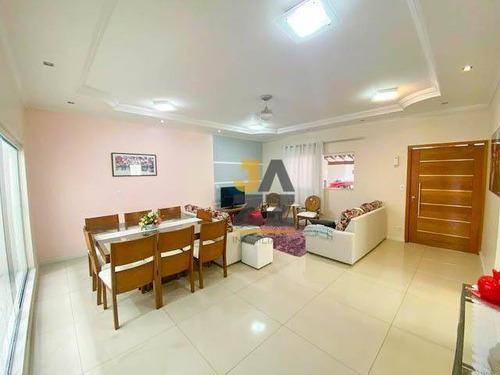 Linda Casa No Jardim Oásis Com 3 Dormitórios À Venda, 240 M² Por R$ 520.000 - Taubaté/sp - Ca13503