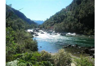 Los Alerces Km20 - A Orilla De Rio