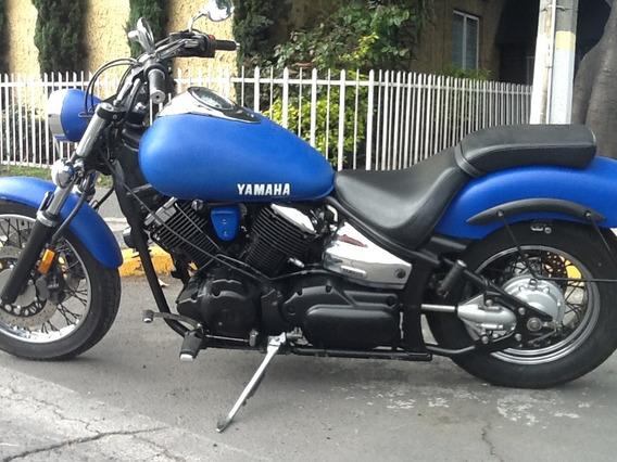 Yamaha Vstar Custom 1100cc. Mod, 2005.