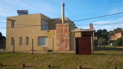 Casa En Piedras Del Chileno, 3 Dormitorios *- Ref: 748
