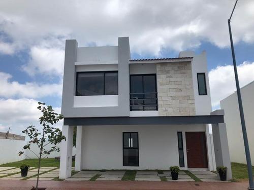 Casa Sola En Venta Fracc. Zibata