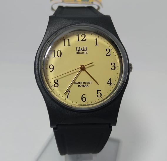 Relógio Q&q By Citizen Preto Com Fundo Dourado Vp34j001y