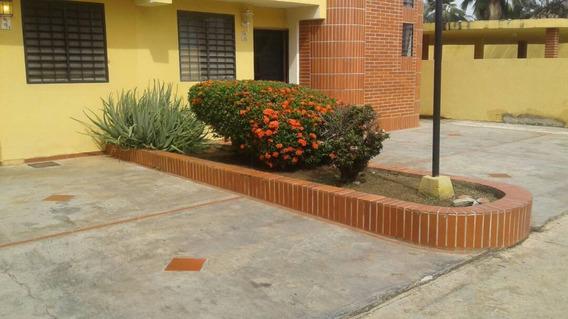 Town House En Venta Ciudad Flamingo - Conde 04242191182