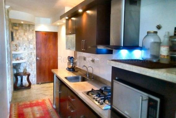 Apartamento En Venta Urb San Jacinto, Zp 20-24670
