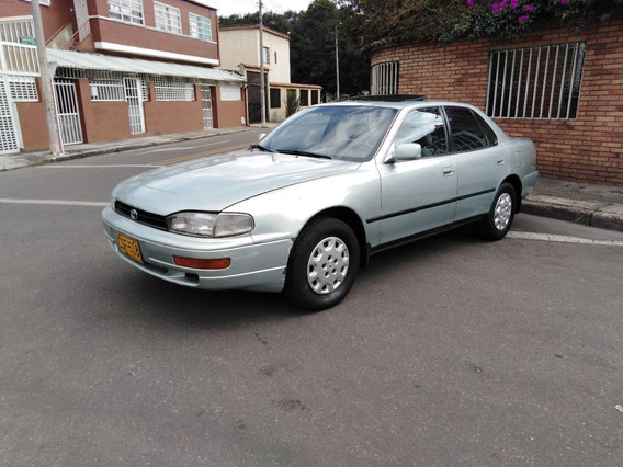Toyota Camry Sedan Automático 1995