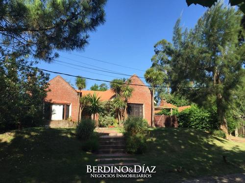 Casa En Pinares Punta Del Este- Ref: 946