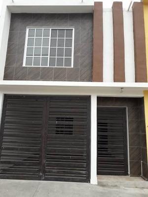 Casa A La Venta En Jardines De Champayan, Tampico