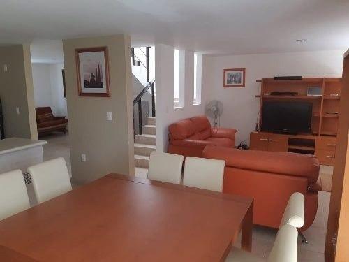 Preciosa Casa En Puerta Real, 3 Recamaras, Jardín, Alberca, Como Nueva !!
