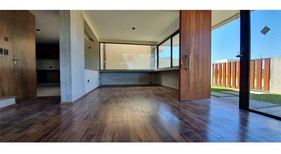 Duplex Tipo Casa De 3 Dormitorios En City Bell