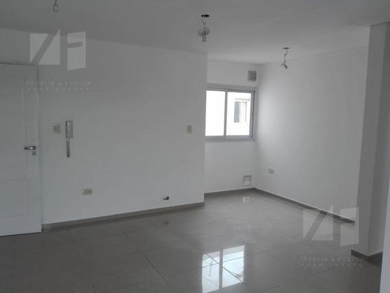 Venta 2 Dormitorios, A Metros Del Hospital Transito Caceres Allende