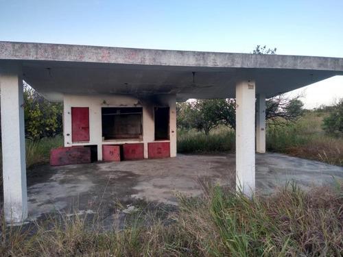 Imagen 1 de 8 de Quinta En Venta En Atongo De Allende