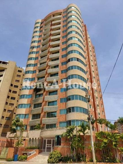 Apartamento En Alquiler Av. El Milagro Maracaibo