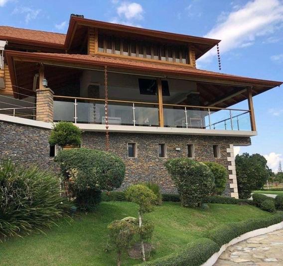Villa En Venta En Jarabacoa- La Vega C/piscina-jardín-fuente