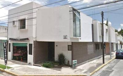 Se Vende Casa Amplia En Jardines De San Manuel