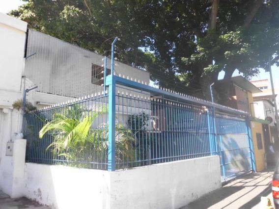 Casa En Venta Urb. 18-997