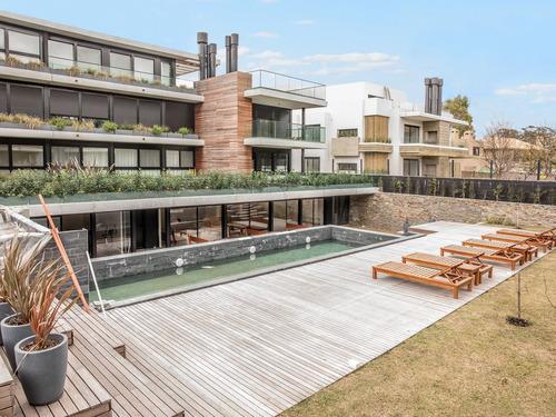 Apartamento En Jardines De Carrasco Ref. 7270