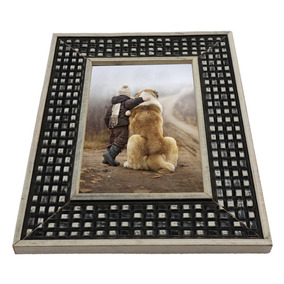 Porta Retrato 22x17cm Em Madeira Com Moldura Preta E Branco