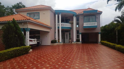 Villa En Venta En Metro Country Club