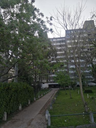 Imagen 1 de 10 de Dueño Vende O Permuta Apartamento Con Renta. Ideal Inversor.
