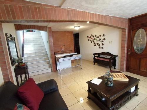 Imagen 1 de 4 de Hermosa Casa De 3 Niveles En Venta En Villa Nueva