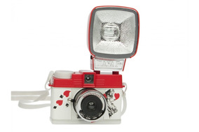 Rara - Diana F+ Lomography - Wonderland Camera