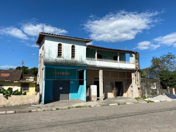 Casa Com 3 Quartos, 2 Banheiros E 2 Pontos Comerciais