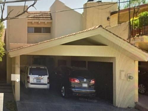 Casa En Venta En Lomas Del Valle.
