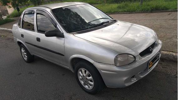 Gm Corsa Sedan A Vista 8900 Aceito Cartão E Financio