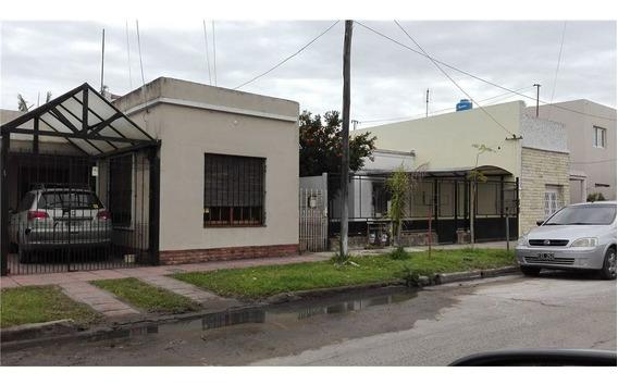 Venta Casa 2 Dorm Dep Quincho Y Garage Moron