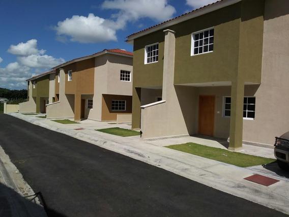 Residencial De Casa Y Apartamentos En Colinas Del Arroyo I