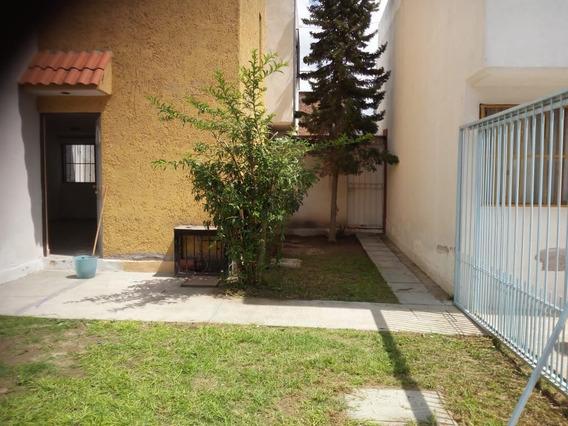 Casa En Venta De 3 Recamaras, Privada En Las Piedras, S.l.p.