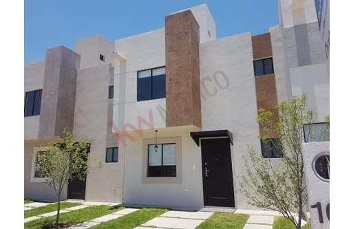 Vendo Casa Tres Recámaras En Querétaro, Excelente Ubicación En $1,205,000 Pesos.-