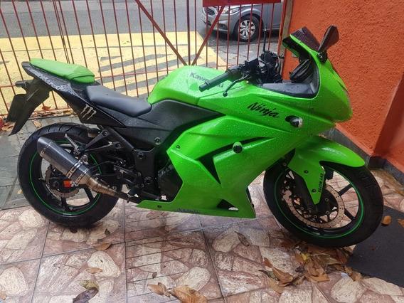 Kawasaki Ninja 250r - Ano 2010/2010 - Verde - 48mil Km