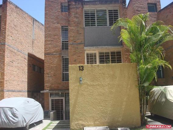 Townhouse En Venta Los Guayabitos Edf 18-13285