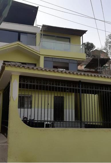 Vendo Casa En Villa Maria Del Triunfo, 3 Pisos.