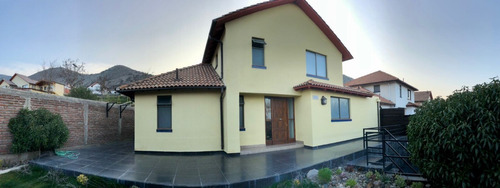 Imagen 1 de 29 de Amplia Casa En Barrio Residencial Lomas De Lo Aguirre