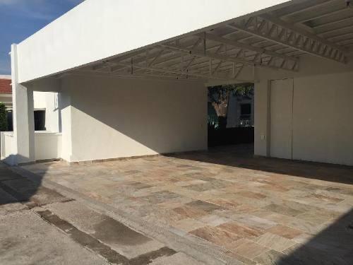 Casa En Venta En Fracc. Valle Del Moral/ León (guanajuato)