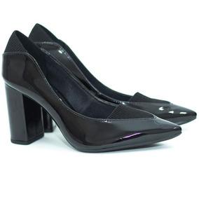 825a6f75a6 Scarpin Mariotta Preto Veludo Salto Grosso - Sapatos no Mercado ...
