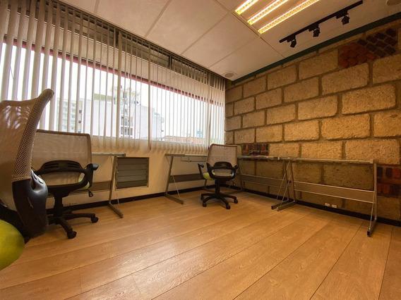Oficina O Consultorio Con Imagen Ejecutiva En Corporativo