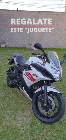 Ducati Kawazaki Honda Yamaha Pista Xj6f 2012 Única Mano