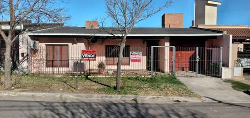 Imagen 1 de 18 de Casa En B°balneario Villa Dolores Córdoba
