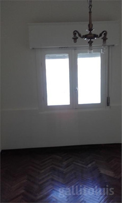 Oportunidad. 4 Dormitorios Barrios Amorin Y Paysandu