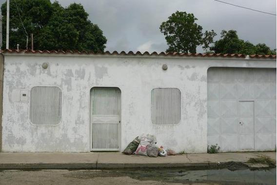 Venta De Casa En Pueblo Nuevo, Lara