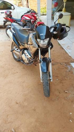 Imagem 1 de 11 de Honda 2006